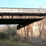 Brücke über die Fösse - eine der 4 Brücken, die in den nächsten Jahren 1:1 erneuert werden soll. D.h. ohne Lärmschutzmaßnahmen