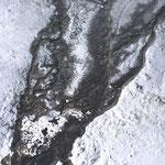Strukturen des ablaufenden Wassers