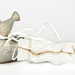 PAULA ARCÍS BAUTIZO. Diseño: Julio Antonio Blasco, Sr. López. Diseño de etiqueta y presentación de la cerámica de serie limitada de Alicia Leiva. Dirección de arte: Espirelius. Cliente: Paula Arcís, 2009