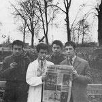 Les jeunes communistes. de l'E.N.I. J.H. en blouse blanche