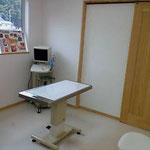 診察室です。ここで詳しい症状を伺い、身体検査を行います。