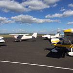 Des avions et des ulm sur l'aérodrome