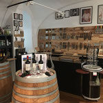 Weinabteilung bei Ma Maison