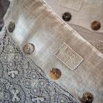 Arte Pura Leinen Kissenbezüge mit Knopf Applikation