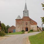 Kerkje Buccilly, nabij dorpje