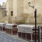 Souvernir-Koffer-Geschäfte sind noch geschlossen