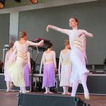 ... die Ballettschule Szilvia Wolf, ...