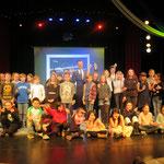 """29. November: Mit der """"Du-bist-super-Gala"""" bedankt sich der Bezirk bei engagierten Kindern und Jugendlichen. Sie hatten sich Gedanken über ihr Umfeld gemacht und ihre Projektideen im Rahmen des Jugenddemokratiefonds realisiert."""