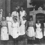 """Der Heimatverein gibt den 15. Band seiner Reihe """"Beiträge zur Regionalgeschichte"""" heraus. Die Publikation widmet sich den Biografien bedeutender Frauen, die in Marzahn-Hellersdorf gewirkt haben oder mit dem Bezirk verbunden waren."""