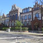 11. Mai: Die ersten und fünften Klassen dürfen aus dem Lockdown an die Grundschulen zurückkehren, ebenso die siebten Klassen an die Oberschulen.