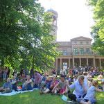 1. Juni: Noch üppiger als sonst fällt das Programm beim Classic Picknick im Biesdorfer Schlosspark aus.