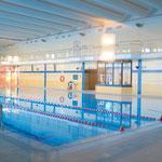 21. Oktober: In der Schwimmhalle im FFM kann wieder geplanscht werden. Zunächst gelten eingeschränkte Öffnungszeiten. Seit Oktober 2017 war das Bad fast ununterbrochen geschlossen. Erst zog sich die Sanierung hin, dann stimmte die Wasserqualität nicht.