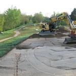 28. April: Am Ostufer der Wuhle zwischen S- und U-Bahnhof und dem Stadion Wuhletal beginnen die Bauarbeiten für einen neuen Geh- und Radweg. Kosten: 770.000 Euro