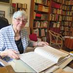Dezember: Das 1980 gegründete Kurt-Schwaen-Archiv in Mahlsdorf wird 40 Jahre alt. Kurt Schwaen (1909-2007) war einer der bekanntesten deutschen Komponisten des 20. Jahrhunderts. Die Witwe des Musikers, Ina Iske-Schwaen, bewahrt das Andenken an ihren Mann.