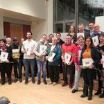 22 Frauen und Männern, die sich in Marzahn-Hellersdorf vorbildlich für Menschen mit Migrationshintergrund und Fluchterfahrungen einsetzen, wird im Rathaus Helle Mitte der Integrationspreis verliehen.