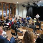 7. November: Vertreter der Gesobau stellen ihre Pläne für das Stadtgut Hellersdorf vor. Geplant ist ein komplett neues Quartier mit Gewerbe, 1.500 Wohnungen, zwei Quartiersgaragen, zwei Stadtplätzen, Sport-, Freizeit- und Grünflächen.