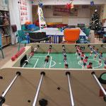 17. März: Der Kinderkeller im Kulturhochhaus Marzahn feiert seinen 25. Geburtstag. Tagein tagaus besuchen 20 bis 30 Mädchen und Jungen aus dem Kiez die offene Einrichtung. Der Raum ist Bastel-, Spiel-, Hausaufgabenzimmer und noch viel mehr.