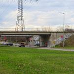 3. Juni: Für voraussichtlich vier Jahre wird die marode Wuhletalbrücke in Marzahn komplett gesperrt.