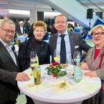 Klaus Jürgen Dahler (Linksfraktion in der BVV), die Vizepräsidentin des Deutschen Bundestags, Petra Pau (Die Linke), Hoppegartens Bürgermeister Karsten Knobbe (Die Linke) und Dr. Manuela Schmidt, Vizepräsidentin des Berliner Abgeordnetenhauses (Die Linke)