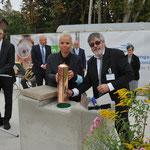 1. Oktober: In der Sudermannstraße wird der Grundstein für das geplante Altenhilfezentrum gelegt. Die Einrichtung ist für 100 Senioren mit unterschiedlichen Pflegebedarfen ausgelegt. © Pressefoto-uhlemann.de
