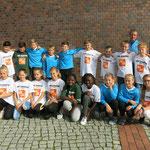11. September: Die Kolibri-Grundschule ist die schnellste Grundschule Berlins. Bei den landesweiten Schulmeisterschaften flatterte die Mädchen-Staffel auf einen hervorragenden zweiten Platz 2. Die Jungs sicherten sich sogar den Meistertitel.