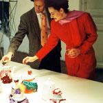 Prof. Matteo Thun und Stefanie Grüssl bei Diplomarbeit
