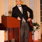 Frank Heumann in einer Doppelrolle als Lord Babberly und die falsche Tante