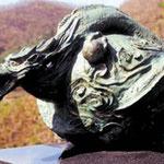 鋳造による龍のオブジェ