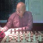 Sylvestre war nicht chancenlos, verlor aber gegen den versiert aufspielenden Simultan-Spieler.