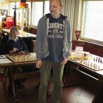 Ralf kurz vor dem Beginn des heutigen Trainings-Simultans.
