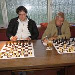 Jung-Talent Stefan und Bernhard (Seniorenschach-Beauftragter im MSV 06).
