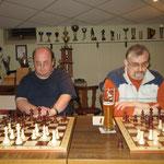 Stephan und Thomas in der Eröffnungsphase des Simultan-Wettkampfes.