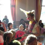 Kinderfasching in Peggau. Die Kinder freuen sich jedes Jahr auf Clownin Poplina und die schwungvolle Party mit Kinderdisco und lustigem Animationsprogramm