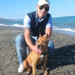 Darrell, ormai meridionale adottivo, con Danilo al mare