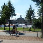 vor dem Schlossplatz
