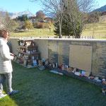 am Gemeinschaftsgrab  - Friedhof Le Vernet