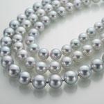 オールノットで仕立てたグレーあこや真珠
