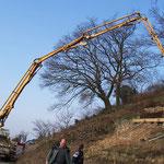 Beton für´s Fundament wird gepumpt