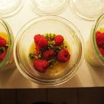 Himbeeren, Pistazien und die Chili Sauce