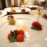 Tomate mit Basilikum<br />Käse mit Ananas<br />Erdbeere mit Koriander Tomate mit Basilikum Käse mit Ananas Erdbeere mit Koriander