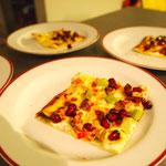 Flammkuchen mit Ziegenkäse und Granatapfel
