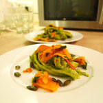 Pasta Pesto mit gebratenen Kürbisraspel