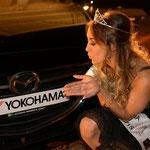 Jennifer Kleeb, Miss Yokohama 2014 mit Dienstwagen Mazda 3