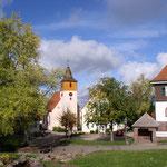 ev. Kirche, Rathaus und Grundschule