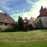 Labyrinth-Park an der ev. Kirche