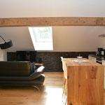 Ferienhaus Sehrwind – Wohnraum mit Küche unter dem Dach, Dachgeschoß