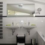 Ferienhaus Sehrwind – Badezimmer, 1. Obergeschoß