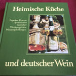 Meyer-Mettegang, Helga und Knoll, Rudolf (Hrsg.): Heimische Küche und deutscher Wein. Meininger, 2.Aufl. 1982.