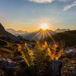 Oktober: Sonnenuntergang an der Rappenseehütte (Allgäuer Alpen)