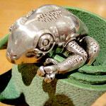 Schließe Frosch 40 € / Gürtel 50 €